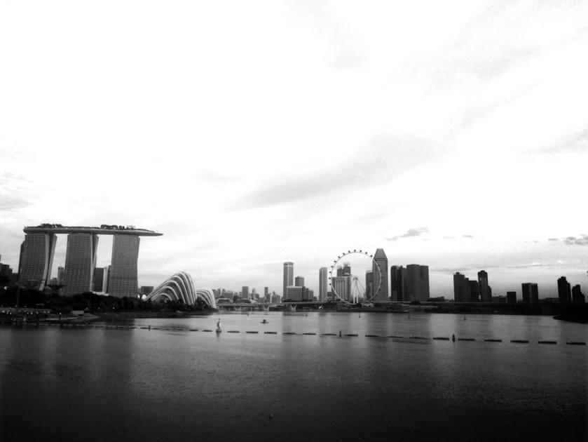 black-and-white-marina-bay